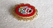 Decorativo Dorado Y Micro Mosaico Oval Broche – diseño floral en tierra roja.