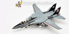 Century Wings CW001613 VF-103 Jolly Rogers Santa Cat Kneeling Version Flaps Down