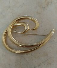 Vintage Signed Trifari Brooch Pin Gold Tone
