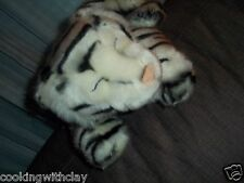RAIN FOREST CAFE PLUSH DOLL FIGURE BABY WHITE SNOW LEOPARD REALISTIC CUDDLE TOY