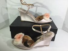Badgley Mischka Glee Ivory Satin Women's Evening Wedge Sandals Size 11 ZA-924