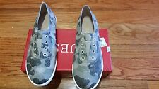 NEW GUESS TAUPE MULTI FABRIC CANVAS Flat Sneakers WOMEN`S SIZE 8