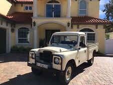 Land Rover: Defender SANTANA