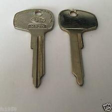 NSU Ro 80 /  Schlüsselrohling für Zündschloß DL Profil HF26