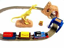 THOMAS TRAIN FRIEND TRACKMASTER MOTORIZED DINOSAUR BONES FOSSIL T-REX SET museum