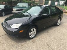 Ford: Focus 4dr Sdn S