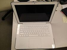 White Macbook A1342 Mid 2010 2.4Ghz Core 2 Duo, 8Gb Ram, 320Gb Hdd