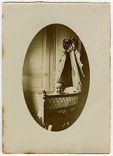 PHOTO ANCIENNE - ENFANT BÉBÉ BERCEAU SOURIRE-CHILD BABY SMILING-Vintage Snapshot