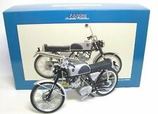 Honda CR110 Street 1962 Moto 1:10 Model 10004 EBBRO