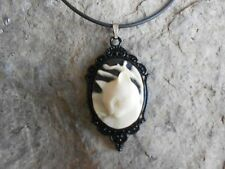 **STUNNING (CREAM/BLACK CAT) CAMEO PENDANT NECKLACE-- QUALITY!!!!!!