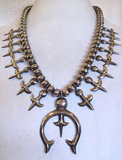 Vintage NAVAJO SterlingSilver Single Strand SQUASH BLOSSOM Necklace FLEUR de LIS