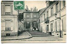 CARTE  POSTALE ECOUEN ENTREE DU PENSIONNAT DE LA LEGION D HONNEUR