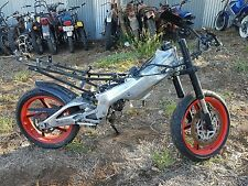 aprilia rs 125 wrecking all parts available  (this this action is for one bolt)