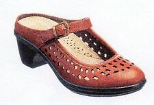 """NEW WOMEN'S """"EASY STREET"""" MARY JANE CLOG SHOE - SIZE: 8 1/2 M  COLOR: TAN"""