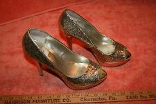 Guess Sliver or Gold ? Glitter 4 1/2 inch Heel Pumps Shoes