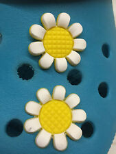 2 Lovely Daisy Shoe Charms For Crocs & Jibbitz Wristbands. Free UK P&P.