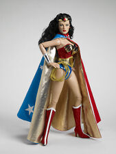 RARE Deluxe Tonner Wonder Woman Deluxe 17  Doll - LE 1000