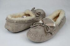 UGG AUSTRALIA DAKOTA BRAID SUEDE SHEARLING SAND COLOR SLIPPERS SIZE 5 US