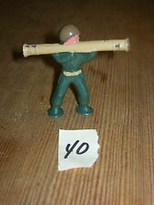 ca 1960'S BARCLAY DIMESTORE LEAD TOY SOLDIER WITH BAZOOKA #40
