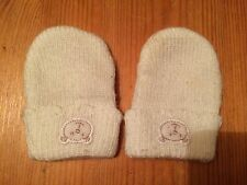 BABYS WHITE KNITTED GLOVES SIZE 0-3 MONTHS
