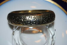 STRIKING LARGE BOLD RUNWAY GOLD TONED METAL WITH DESIGNS BANGLE CUFF BRACELET