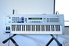 Yamaha CS6x CONTROL SYNTHESIZER 61-Key Synthesizer Keyboard