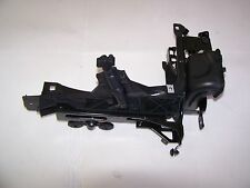 09-2014 BMW 7 Series Right Headlight Bracket Spray Jet F01 750LI 750i 740i F02
