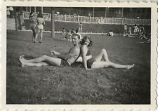 PHOTO ANCIENNE - VINTAGE SNAPSHOT - COUPLE AMOUREUX SEXY MAILLOT DE BAIN -LOVERS