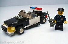 Lego 7030 Town City Police Squad Car - 1 Figure