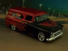 1957 CHEVY SUBURBAN PIZZA DELIVERY TRUCK COLLECTIBLE 1/64 SCALE DIORAMA MODEL