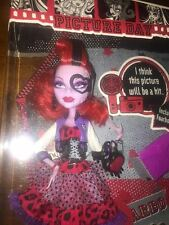 NEW! MONSTER HIGH -PICTURE DAY DOLL TOY FIGURE - OPERETTA - DAUGHTER OF PHANTOM