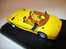 Lamborghini Diablo Roadster in gelb jaune giallo yellow, Detail Cars 1:43 box df