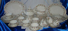 Vintage ROYAL ALBERT WINSOME Dinner & Tea Service