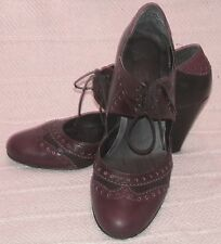 VINTAGE NEW 'JANE SHILTON' BLACK BURGUNDY LEATHER LADIES HEELED BROGUES -UK8