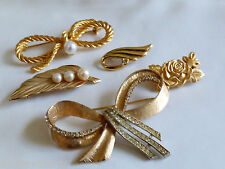 Lot of 5 GOLD TONE METAL PEARL FAUX CRYSTAL FLORAL BOW LEAF PIN BROOCH