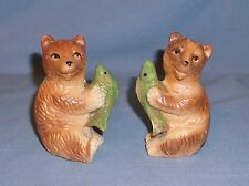 Vintage NOS Victoria Ceramics Grizzly Bear w/ Fish Salt & Pepper Shakers In Box