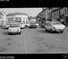 Voitures ancienne Simca parking Desvres - négatif photo ancien 35mm an. 1970
