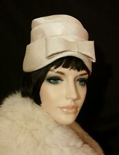 Vintage hat ivory 1950 bow tiers modern edge