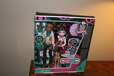 39.001Monster High Draculaura Clawd Wolf 2010 Forbidden Love Doll Set FIRST WAVE