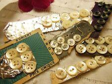 n°5 Lot 44  boutons anciens en NACRE  couture taie poupée