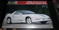 REVELL 25TH ANNIVERSARY PONTIAC TRANS AM 1/25 Model Car Mountain KIT FS