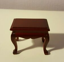 1:12 SCALE DOLLS HOUSE FURNITURE - SMALL TABLE