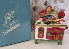 Teddy and Friends Stove Music box Diffuser Avon by Cadeaux Christmas w Box