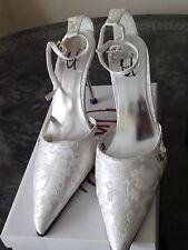 Elegant White China Silk Bridal Shoes - Unze by Shalimar (UK 7 / 40)