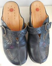 CLARKS LEATHER STRUCTURED FLOWER CLOGS MULES SIZE 8 EUC