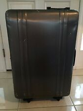 "HALLIBURTON ZERO LUGGAGE- 24"" UPRIGHT ROLLING SUITCASE"