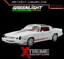 GREENLIGHT 12906 1:18 1981 CHEVY CAMARO Z/28 WHITE W/RED STRIPES T-TOPS