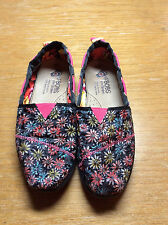 Bobs From Skechers Sparkle Safari Women Shoes  Size 3.5 In Very Good Condition