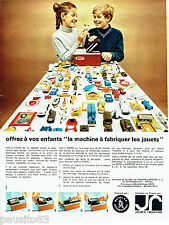 PUBLICITE ADVERTISING 036  1965  MATTEL International   jouets le VAC -U-FORM