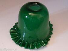 Ancienne tulipe coul vert,dentelle- en verre pour lampe pétrole,n°LS